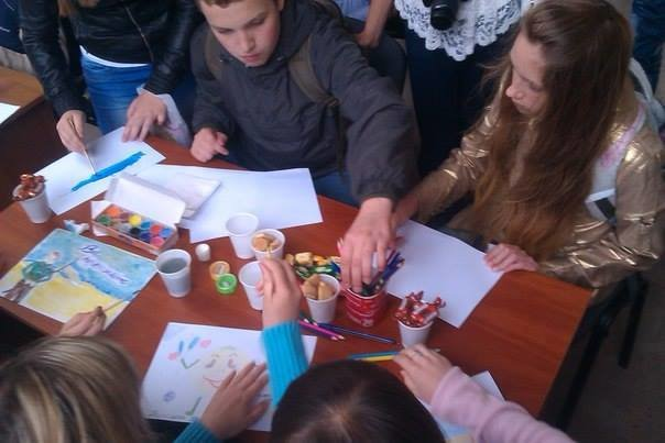 У Львові дітлахи написали листа українським солдатам (фоторепортаж), фото-1