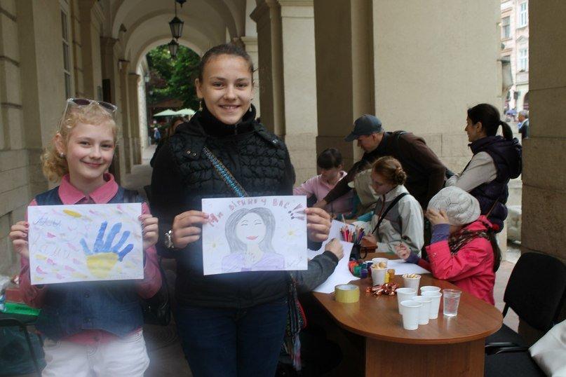 У Львові дітлахи написали листа українським солдатам (фоторепортаж), фото-5