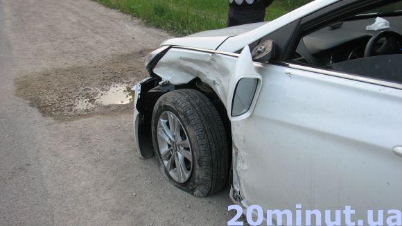 На Тернопільщині зіткнулось два авто. Вагітна жінка потрапила до лікарні (фото), фото-2