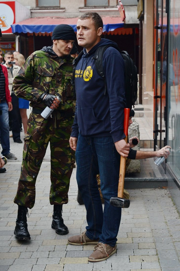 У Тернополі російський «Сбербанк» відсьогодні «пропонує» кредити «Путін ху…ло» (ФОТО), фото-4