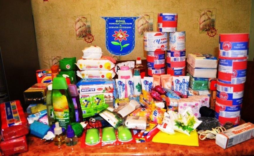 Мариупольцы собрали беженцам из Славянска два автомобиля с продуктами, одеждой и игрушками, фото-4