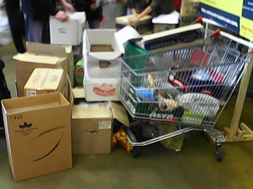 На «Шуварі» збирають продукти для львівських солдат, які відбиваються від сепаратистів на сході України (ФОТО), фото-3