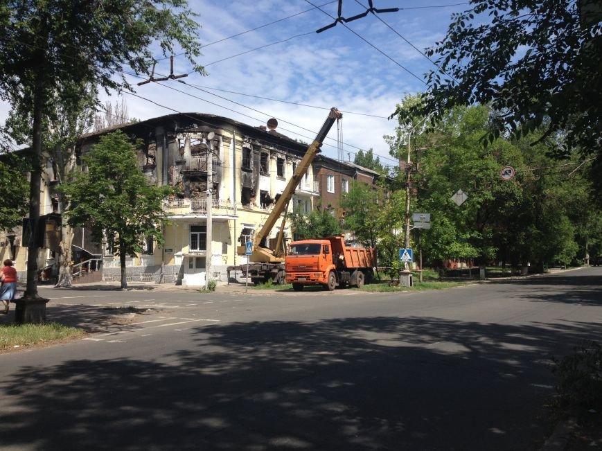 В Мариуполе возобновились работы по реконструкции сгоревшего здания ГУВД (ФОТО), фото-1