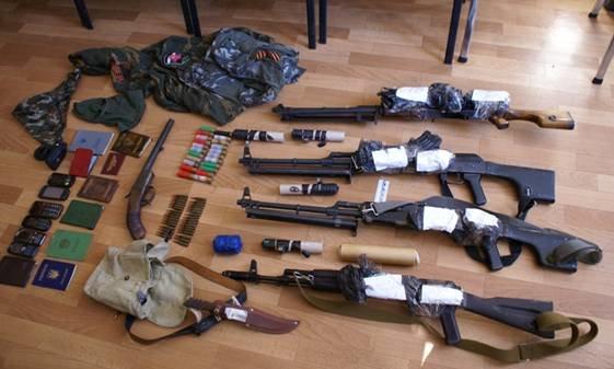 Задержаны 12 вооруженных сторонников из банды «Чечена» в Мариуполе (ВИДЕО), фото-2