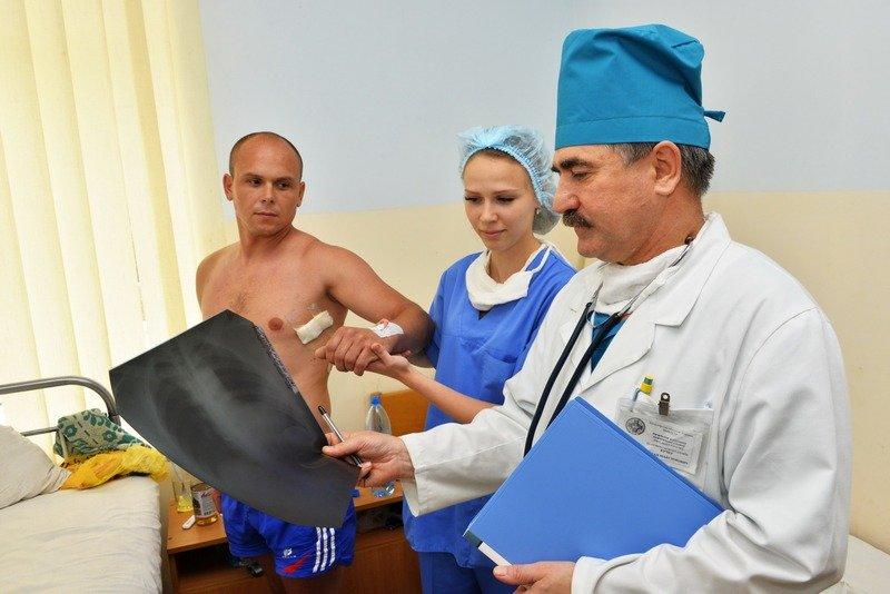 В Одессу самолетом доставили раненых военных из зоны АТО (ФОТО), фото-2