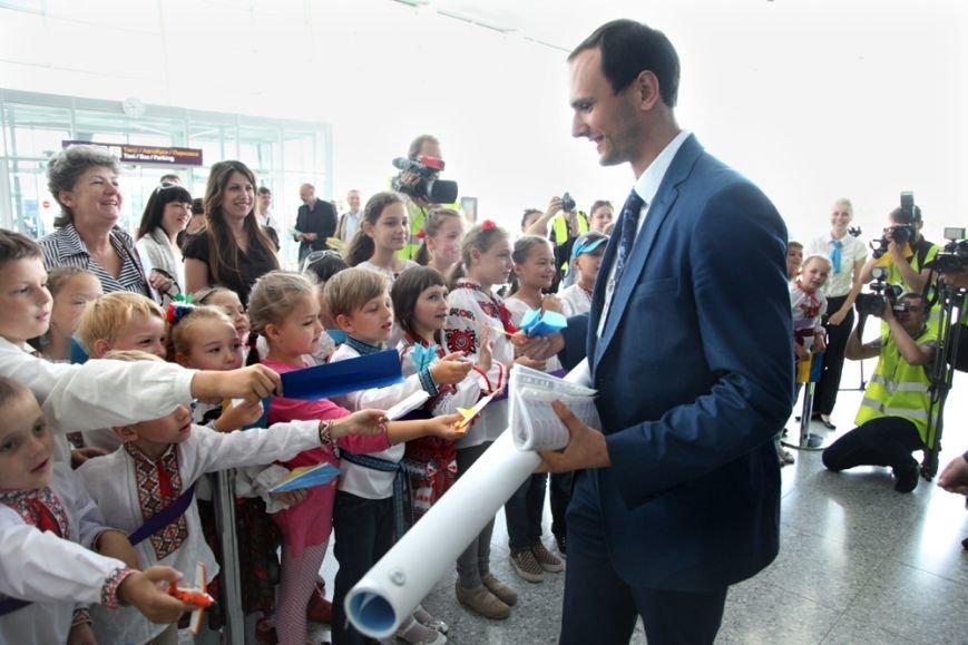 У Львові приземлився перший бюджетний рейс з Києва (ФОТО), фото-6