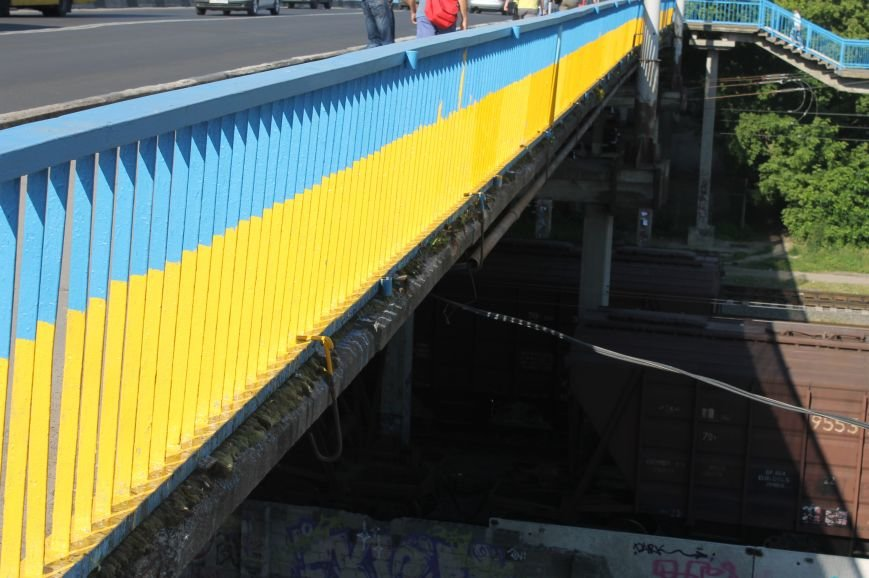 Луцьк - патріотичний або як лучани розмалювали міст, фото-28