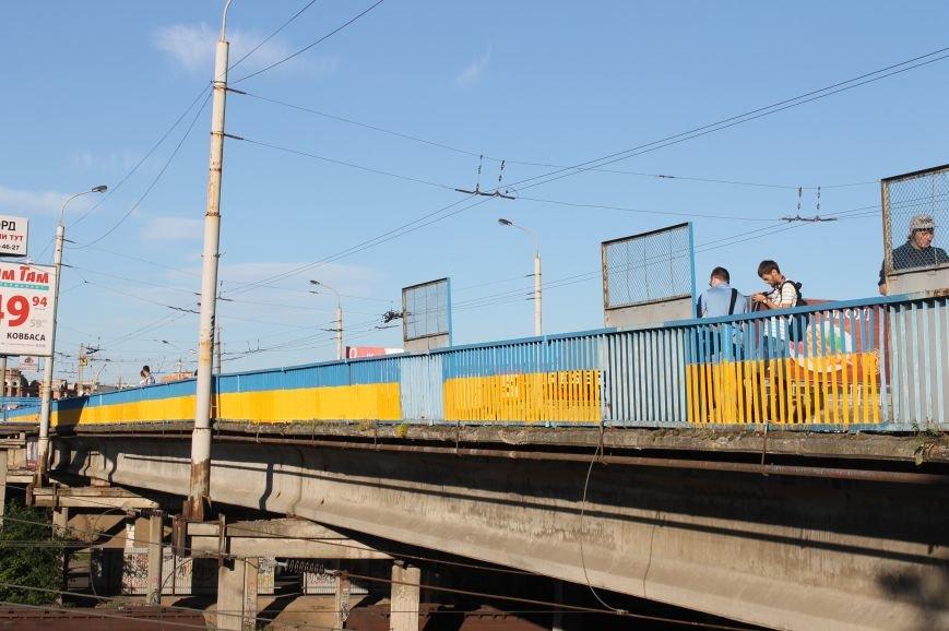 Луцьк - патріотичний або як лучани розмалювали міст, фото-21