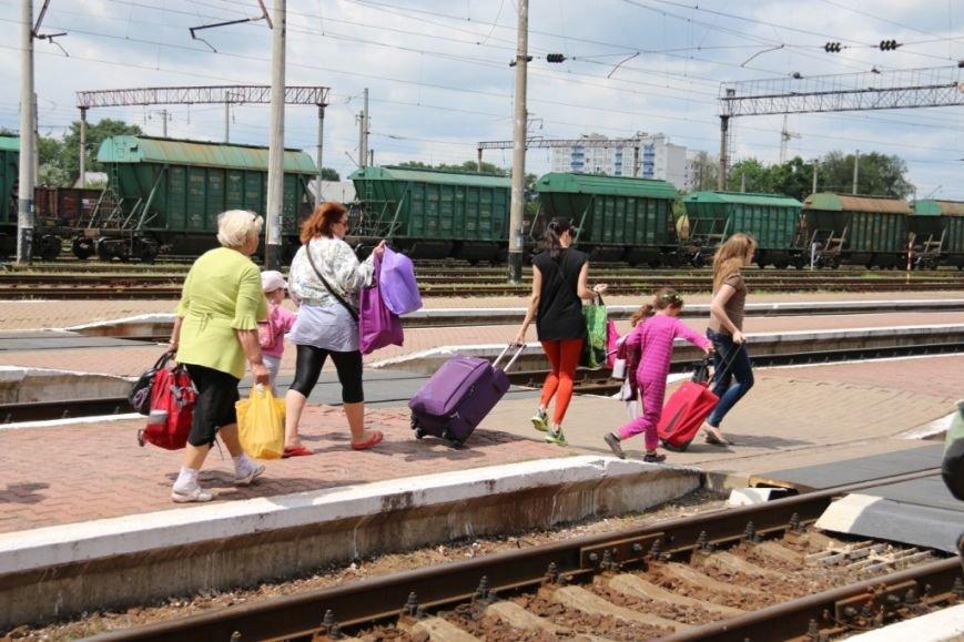 Первый поезд Чернигов-Симферополь заполнился лишь на четверть, фото-5