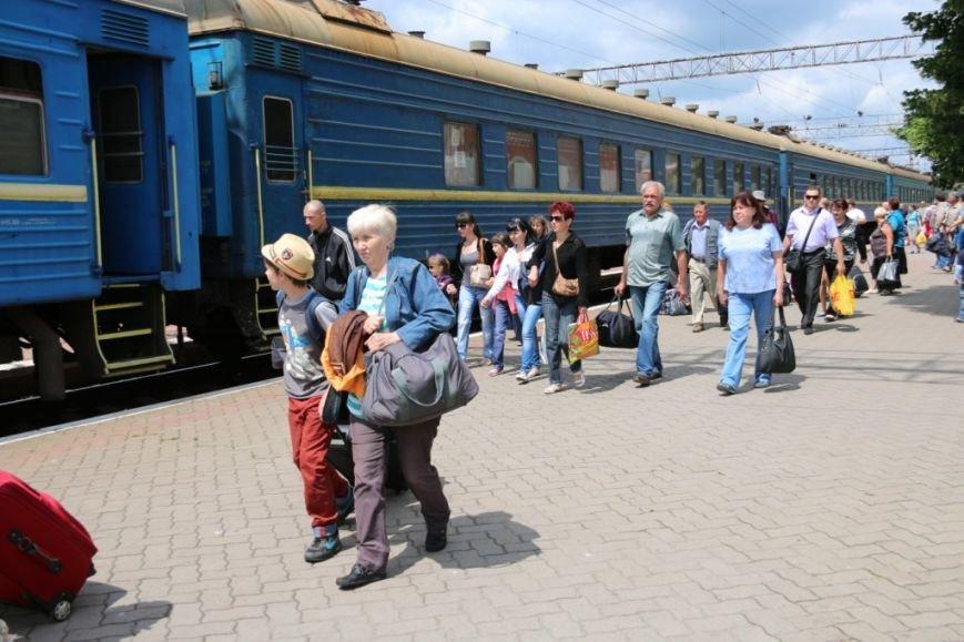 Первый поезд Чернигов-Симферополь заполнился лишь на четверть, фото-9