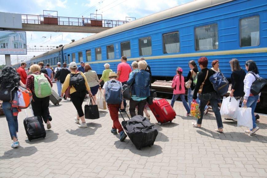 Первый поезд Чернигов-Симферополь заполнился лишь на четверть, фото-10