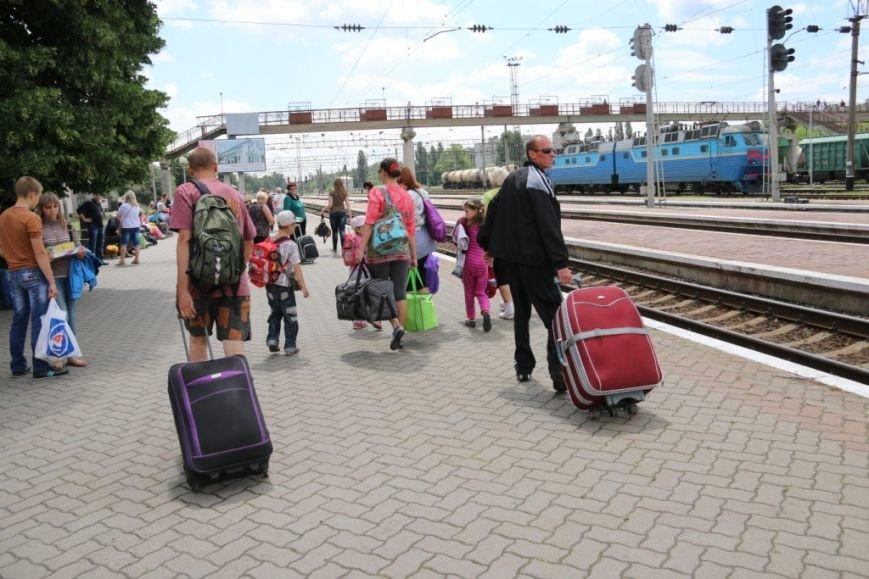 Первый поезд Чернигов-Симферополь заполнился лишь на четверть, фото-7