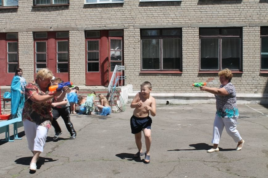 День Нептуна в артемовской школе №12 закончился «Водной битвой», фото-15