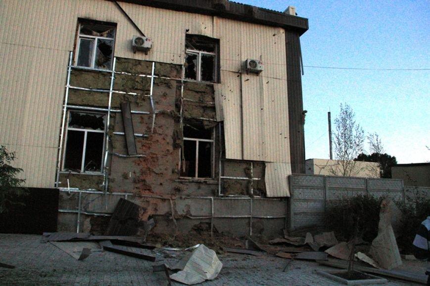 Последствия штурма танковой базы в Артемовске 20 июня: разбитые дороги, гильзы и пожар (ФОТО), фото-5