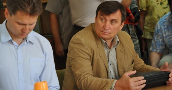 «Правый сектор» вместе с другими общественниками пикетировали Днепропетровскую таможню (ФОТО), фото-1