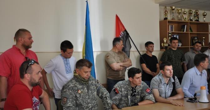 «Правый сектор» вместе с другими общественниками пикетировали Днепропетровскую таможню (ФОТО), фото-3