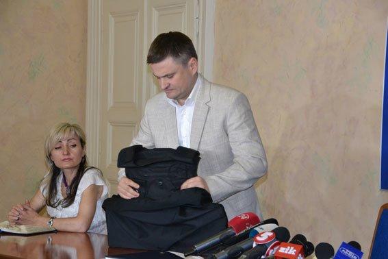 Зі Львова в АТО продали підроблені бронежилети, які не врятують бійців від куль (ФОТО), фото-3