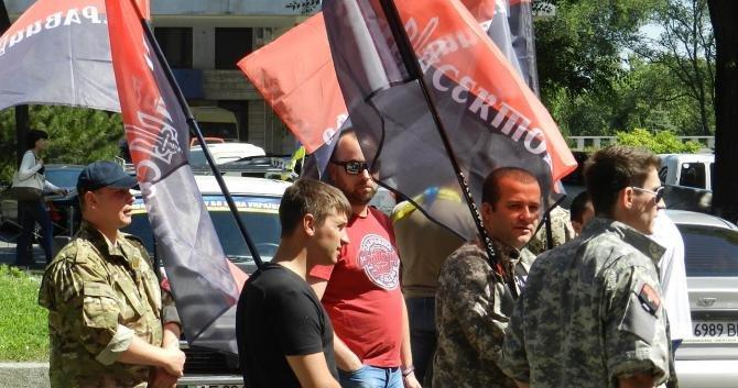 «Правый сектор» пытался сорвать сессию облсовета и подрался с охраной Корбана? (ФОТО), фото-1