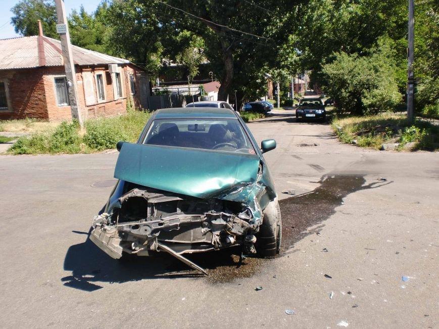 В Днепропетровске столкнулись два автомобиля (ФОТО), фото-4