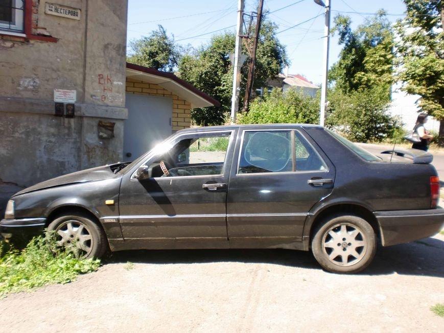 В Днепропетровске столкнулись два автомобиля (ФОТО), фото-3