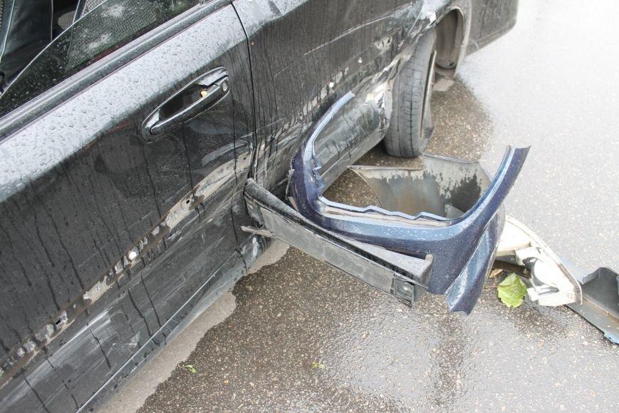 ДТП в Кривом Роге: от удара «Ниссана» «Шевроле» ударился в столб и отлетел ещё на  20 метров, фото-10