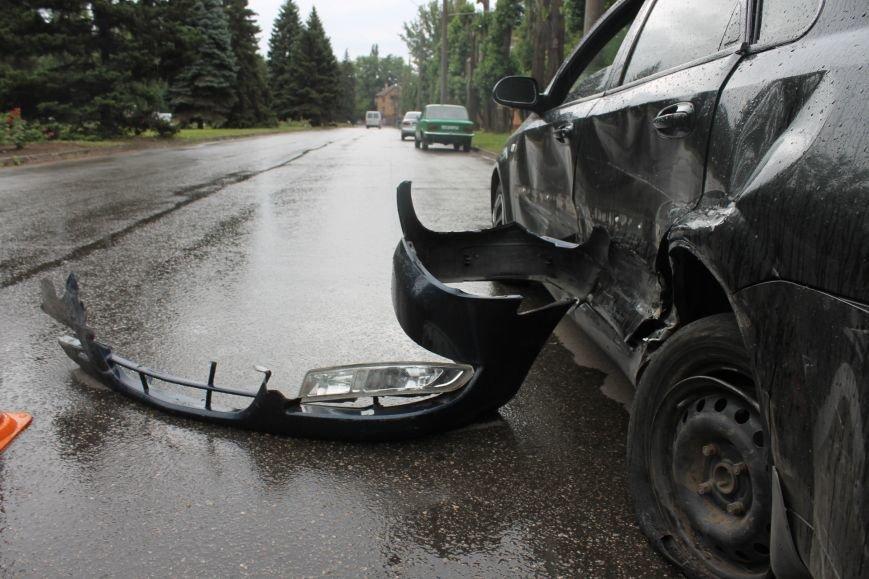 ДТП в Кривом Роге: от удара «Ниссана» «Шевроле» ударился в столб и отлетел ещё на  20 метров, фото-11
