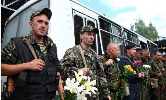 Бойцы Национальной гвардии Украины вернулись домой, в Кременчуг (ФОТО), фото-1