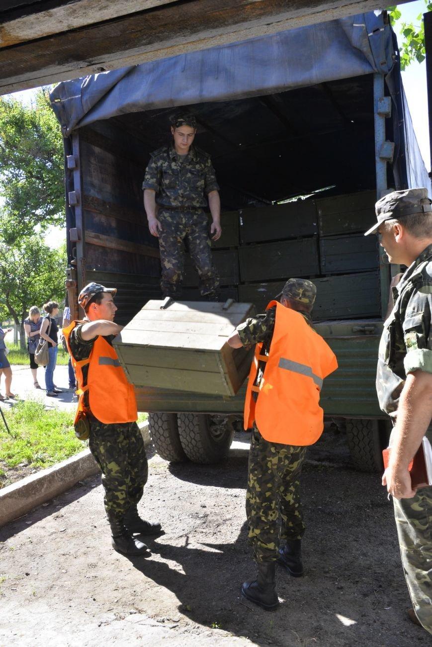 Из Одесской области на восток ежедневно отправляют 5 рейсов с питанием и одеждой (ФОТО), фото-1