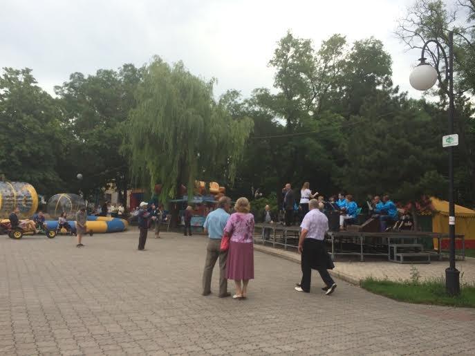Мариупольцы в  день начала ВОВ слушали известные песни (Фотофакт), фото-1