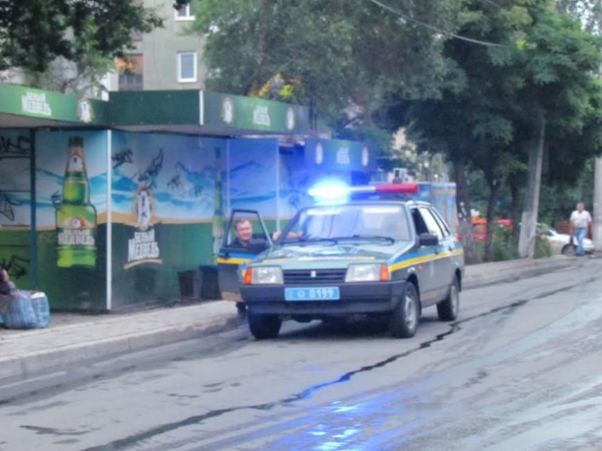 В Мариуполе  рано утром автомобиль «Мерседес» врезался в столб (Дополнено, ФОТО), фото-4
