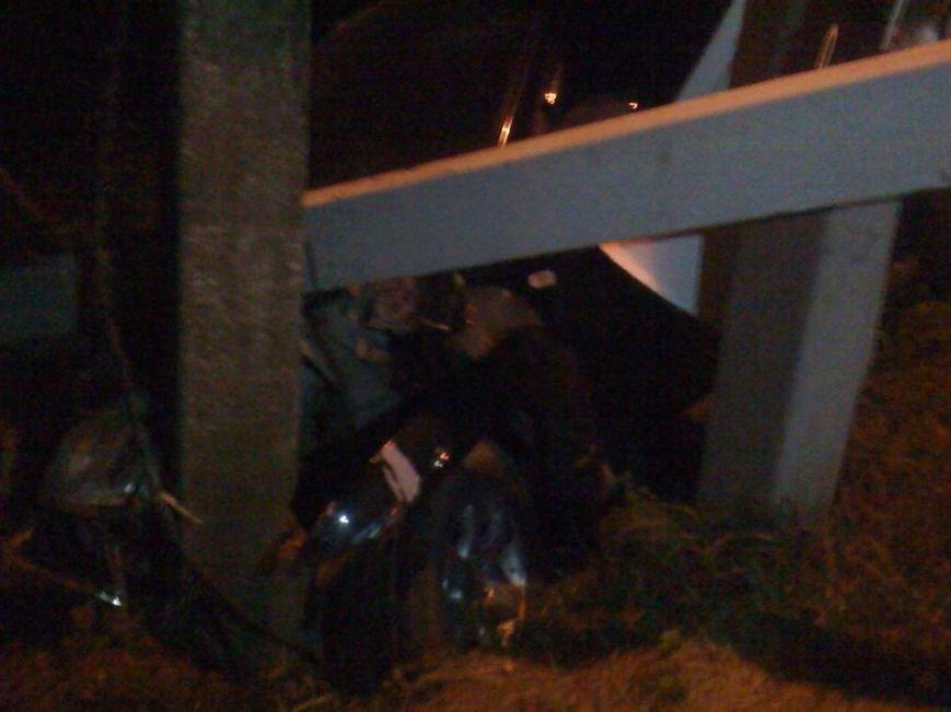 У Львові водій автомобіля в'їхав в стовп під напругою і влаштував феєрверк (ФОТО), фото-2