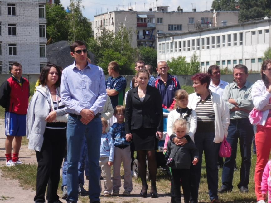 У Тернополі в рамках «Дворової cпартакіади» представили унікальну стіну єдності України (фото), фото-9