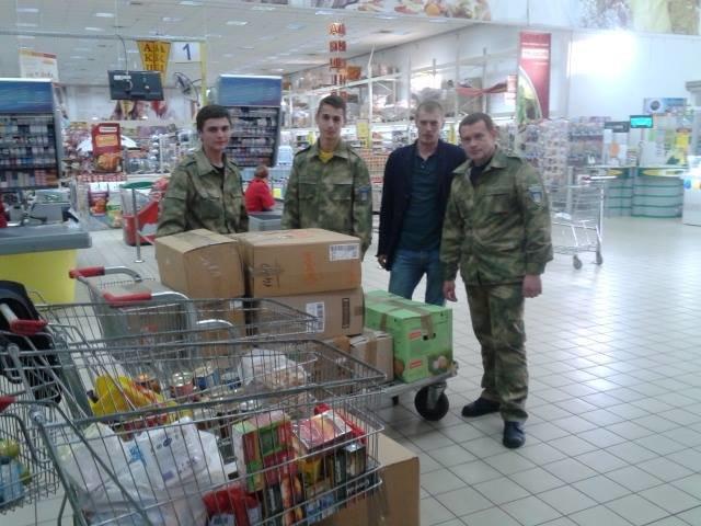 Активісти разом із львів'янами зібрали вантажівку харчів для бійців, які воюють в зоні АТО (ФОТО), фото-7