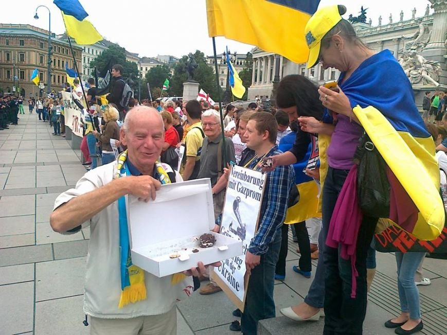 Луганчанин показал, как протестуют против приезда Путина в Вене (ФОТО), фото-6