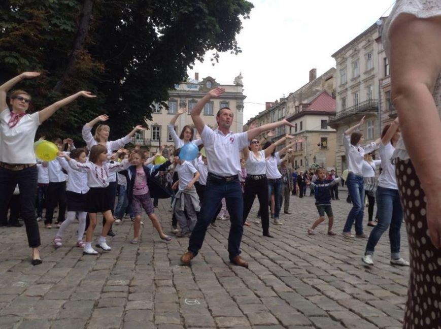 Для Путіна у центрі Львова сьогодні станцювали євреї (ФОТО, ВІДЕО), фото-4