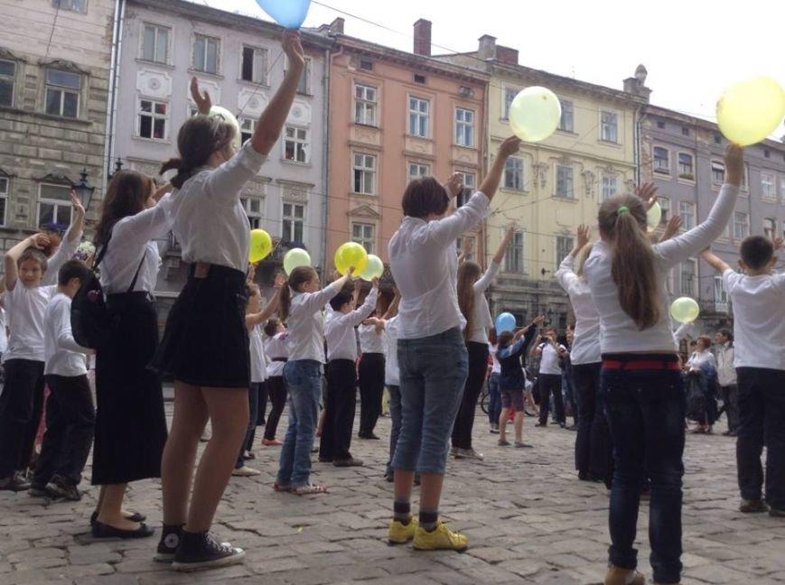 Для Путіна у центрі Львова сьогодні станцювали євреї (ФОТО, ВІДЕО), фото-2