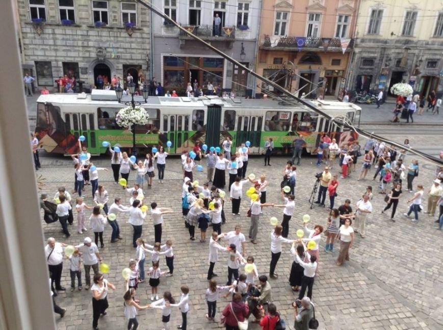 Для Путіна у центрі Львова сьогодні станцювали євреї (ФОТО, ВІДЕО), фото-6