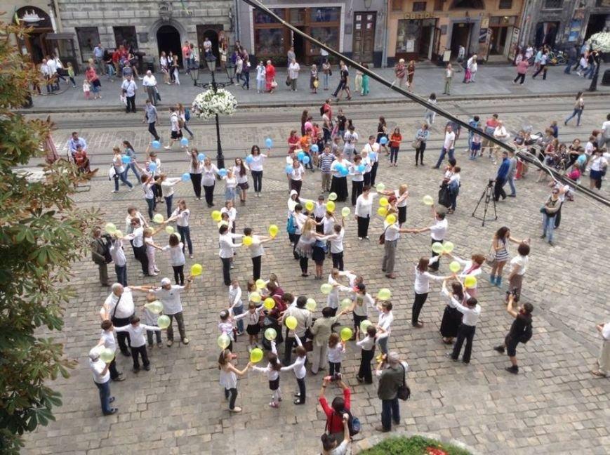 Для Путіна у центрі Львова сьогодні станцювали євреї (ФОТО, ВІДЕО), фото-3