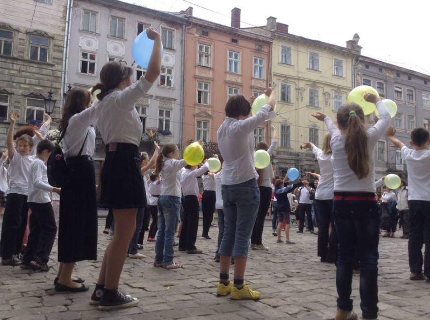 Для Путіна у центрі Львова сьогодні станцювали євреї (ФОТО, ВІДЕО), фото-5