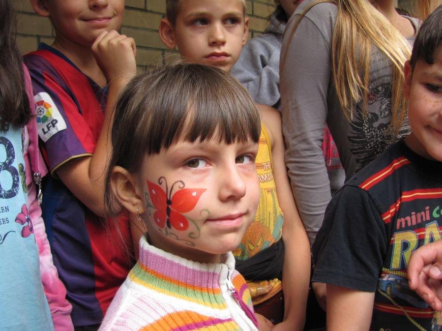 Пауки, цветы и бабочки: артемовская детвора из «Вогника» сама выбирала сюжеты для боди-арта, фото-5
