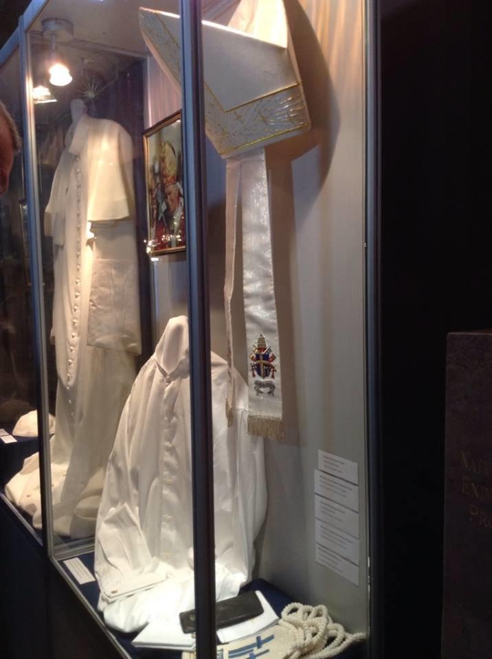 У Львові можна побачити ложки та вилки, якими користувався Папа Римський (ФОТО), фото-5
