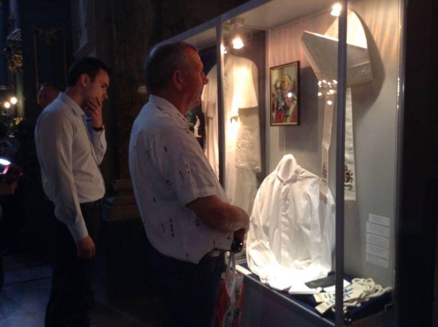 У Львові можна побачити ложки та вилки, якими користувався Папа Римський (ФОТО), фото-4