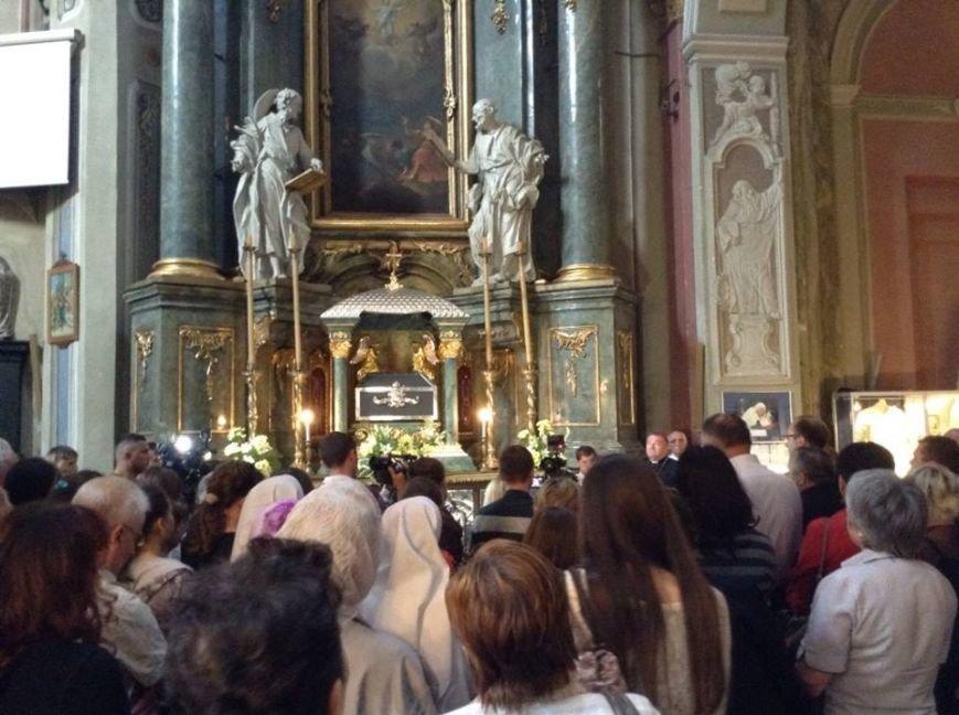 У Львові можна побачити ложки та вилки, якими користувався Папа Римський (ФОТО), фото-1
