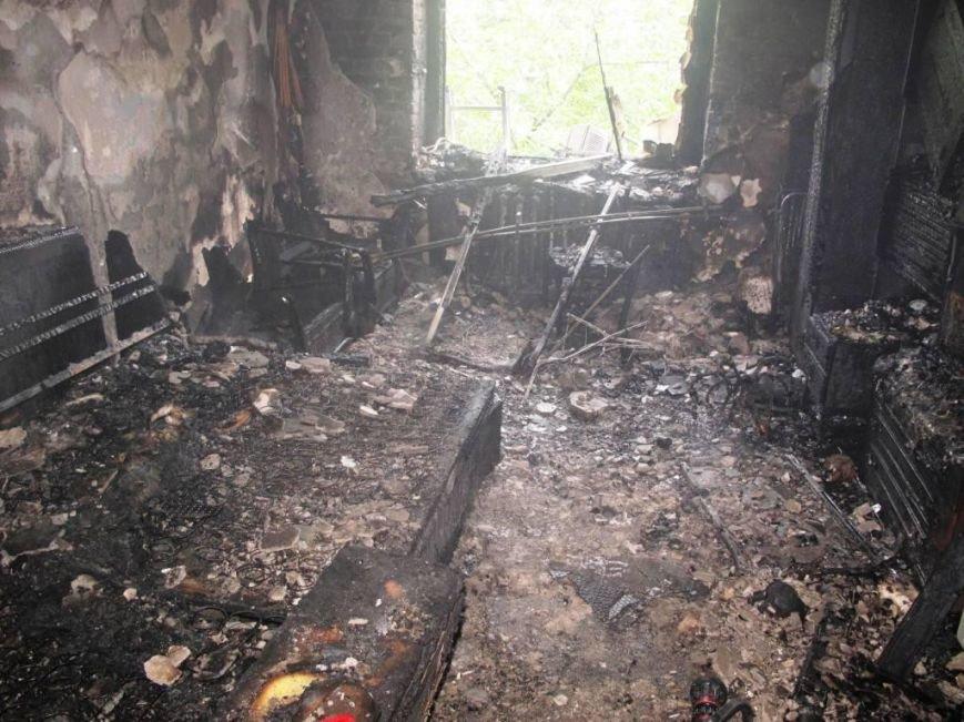 В Запорожье пожар в квартире застал врасплох беременную женщину (ФОТО), фото-5
