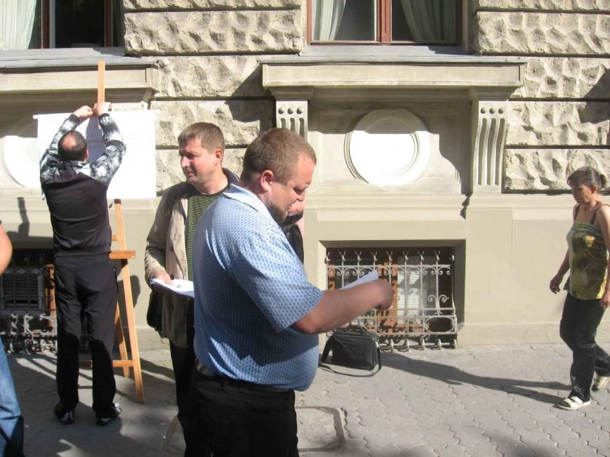 У Львові активістам запропонували об'єднати Схід і Захід … шлюбами (ФОТО), фото-2