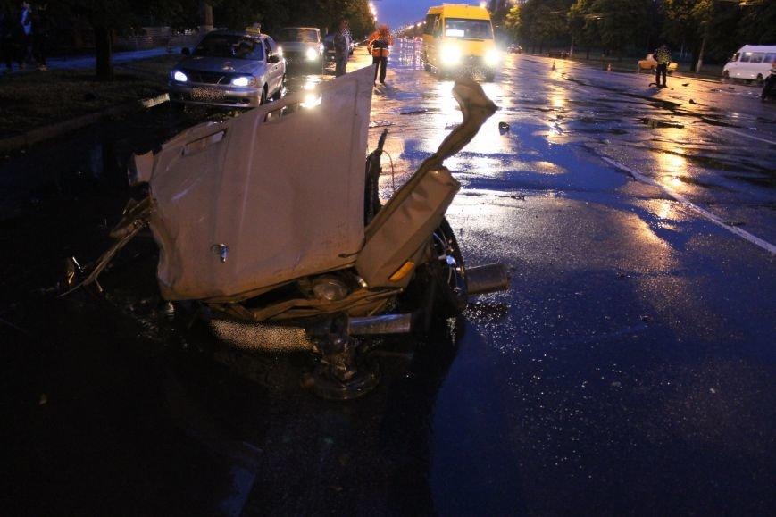 ДТП в Кривом Роге: при столкновении ВАЗа и Nissan'а пострадали 9 человек (ФОТО, ДОПОЛНЕНО), фото-4