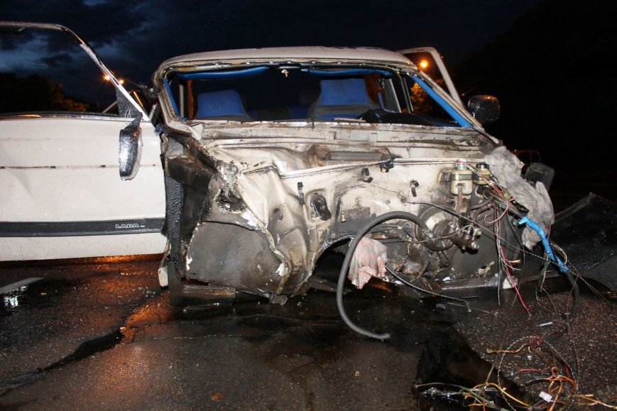 ДТП в Кривом Роге: при столкновении ВАЗа и Nissan'а пострадали 9 человек (ФОТО, ДОПОЛНЕНО), фото-10