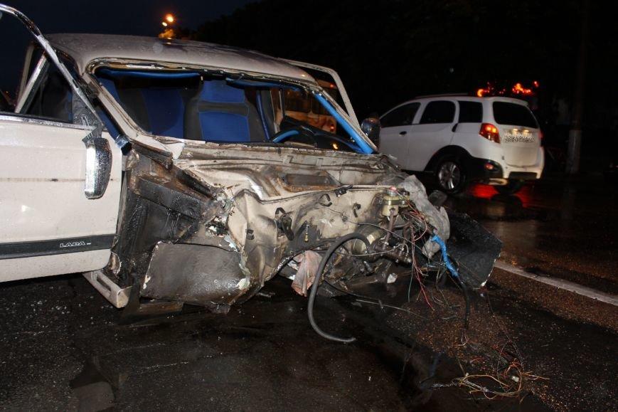 ДТП в Кривом Роге: при столкновении ВАЗа и Nissan'а пострадали 9 человек (ФОТО, ДОПОЛНЕНО), фото-3