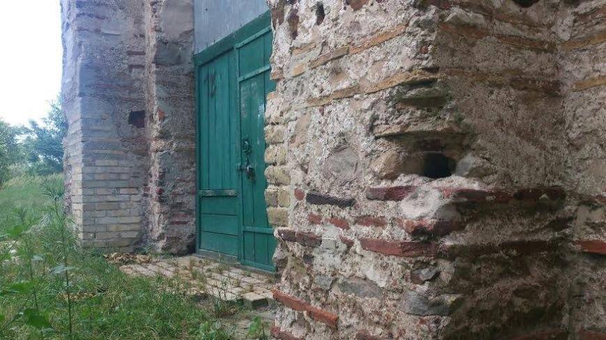 В Черниговской области разрушается 900-летняя церковь, фото-1