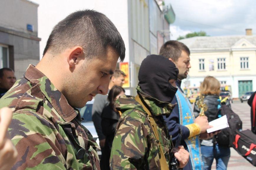 «Повертайтесь живими та здоровими» - Луцьк проводжає бійців «Правого сектору» на Схід, фото-5